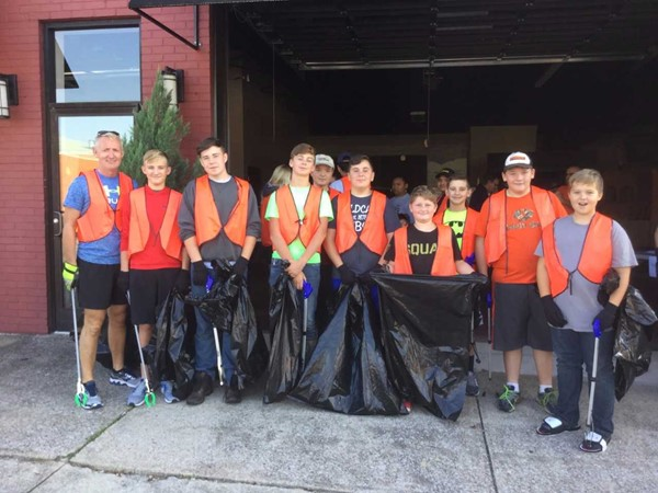 Pictured are students from the East Bernstadt Outdoor Adventure Club who participated in the London City Tourist Commission Clean Up Day on Saturday September 16th.