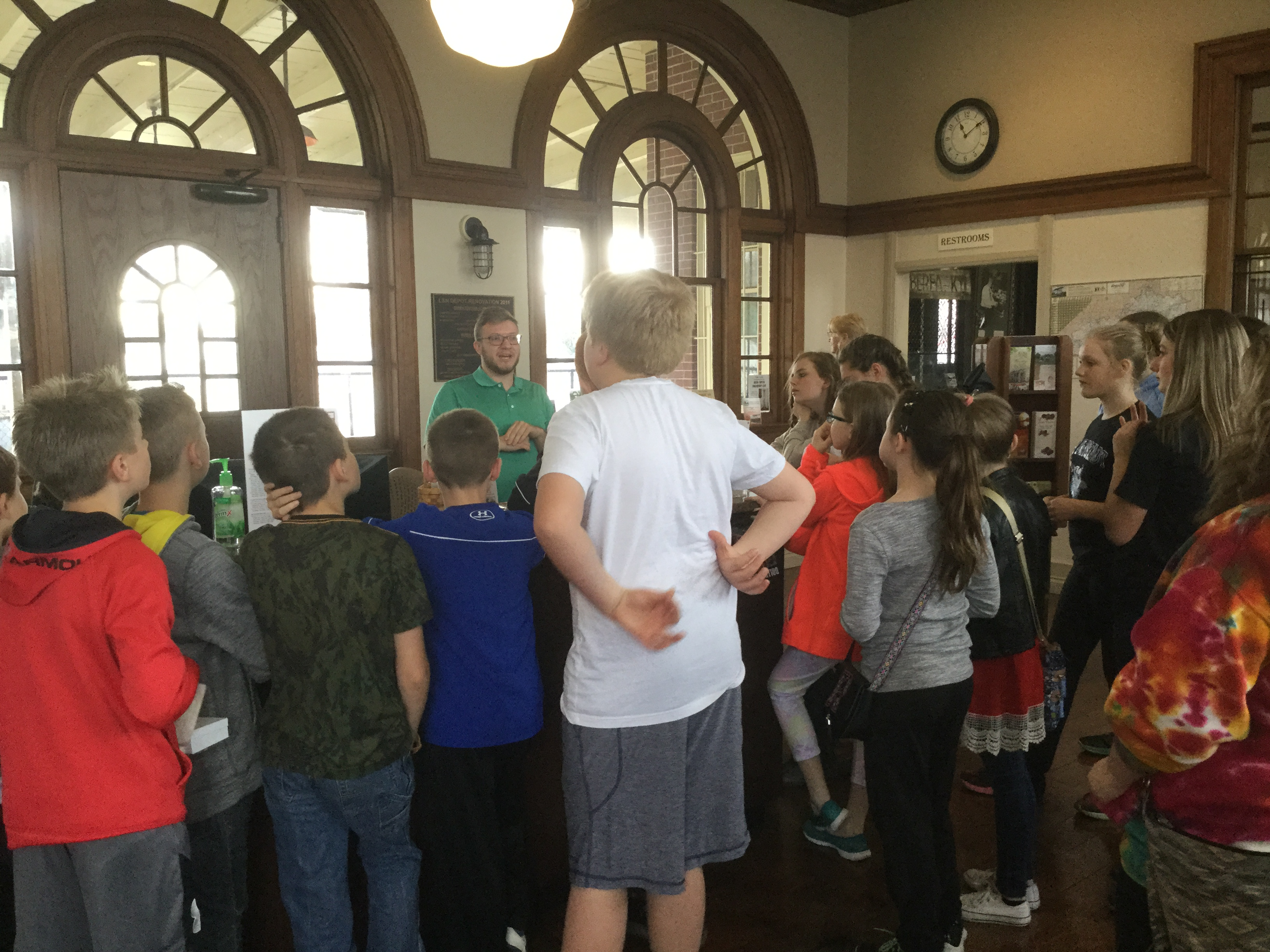 Middle School and Elementary Academic Teams visited the Berea Community Art Show
